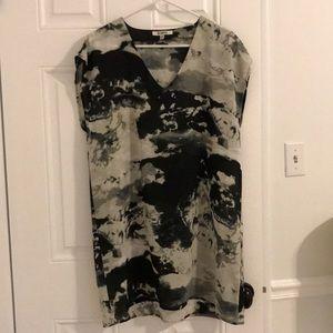 BB Dakota v neck dress, black/grey design. Size M